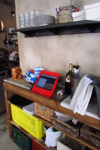 Maclocks Slide Basic iPad POS enclosure for retailers, restaurants and small businesses.