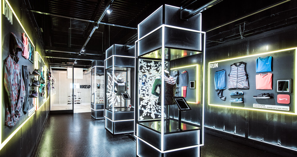 Exhibition Stand Concept : Nike store using rise ipad stand maclocks